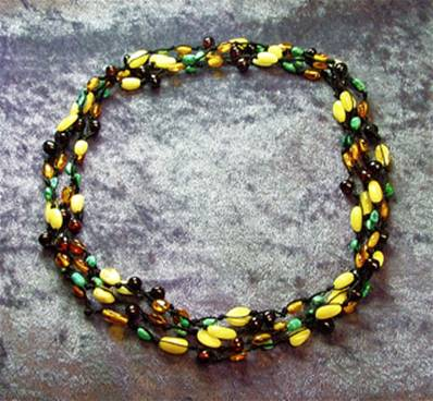 STRUNG NECKLACE WITH POLISHED PIECES OF AMBER & TURQUOISE. SPR6274