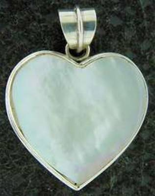 925 SILVER HEART SHAPE PENDANT FEATURING WHITE MOTHER OF PEARL. SPR1418PEND