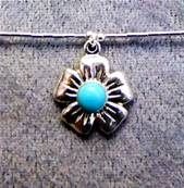 925 SILVER NECKLACE WITH FLOWER DESIGN PENDANT. 948NT