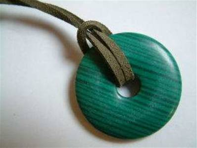LARGE MALACHITE (RECONSTITUTED) GEMSTONE DONUT ON THONG. 42MM DIA. DO42MALTH
