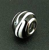 CHARM BEAD WITH SILVER PLATED LINING. 68200138