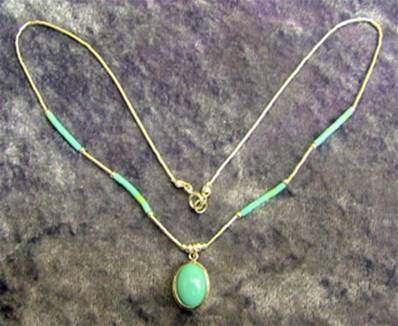SILVER WITH TURQUOISE PENDANT STYLE NECKLACE. 496N