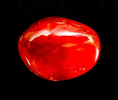 CARNELIAN HAND POLISHED PEBBLE.   SP11085POL