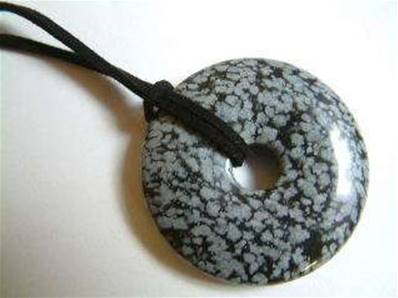 LARGE SNOWFLAKE OBSIDIAN GEMSTONE DONUT ON THONG. 42MM DIA. DO42SNOTH