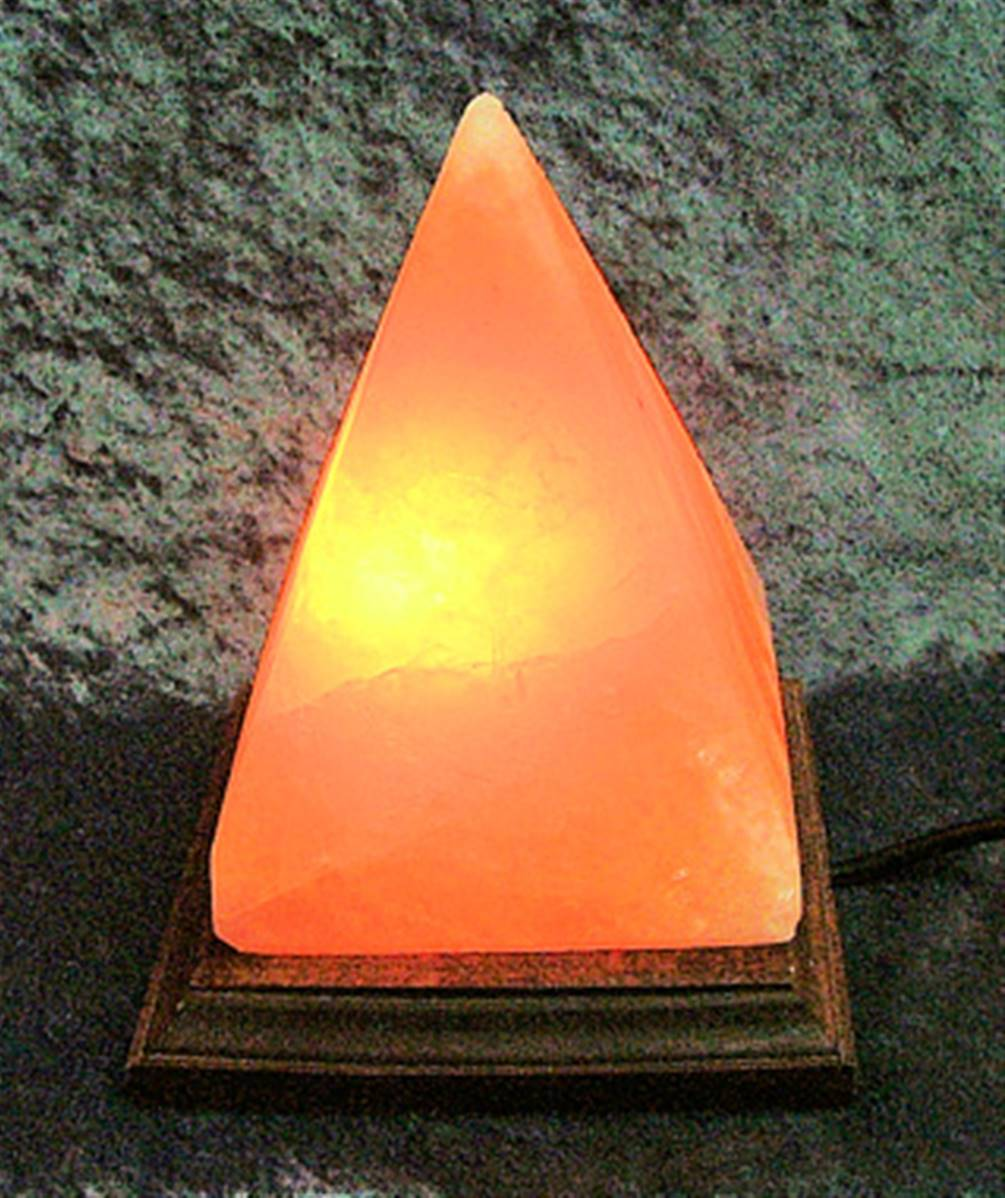 Pink Halite Rock Salt Pyramid Style Electric Lamp Spr7609