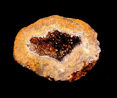 AGATE BROWN RIMMED GEODE SECTION.   SP10656POL