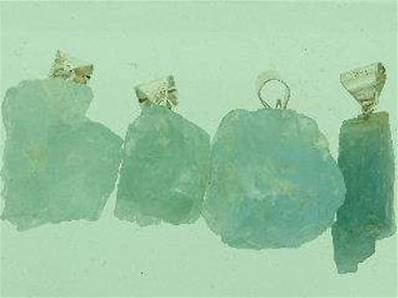 ROUGH AQUAMARINE PENDANTS WITH SILVER BAIL. 5 - 10g. RAQUAPEND