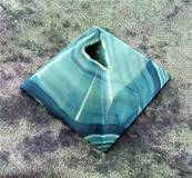 AGATE GEODE PYRAMID (BLUE DYED). SP6446POL