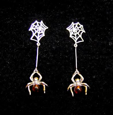 925 SILVER DESIGNER EARRINGS WITH BALTIC AMBER.   SP13029EA