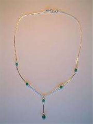 SILVER NECKLACE WITH TURQUOISE. 3g. 749N