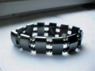 Elasticated Hematite Bracelet. cyn81085