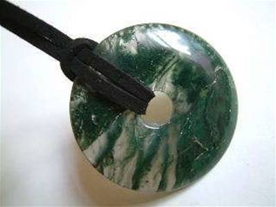LARGE GREEN MOSS AGATE GEMSTONE DONUT ON THONG. 42MM DIA. DO42GMATH