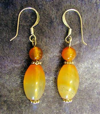 CARNELIAN BEAD STYLE EARRINGS. SPR4579