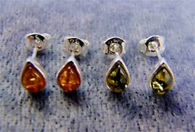 BALTIC AMBER TEARDROP SHAPE STUD EARRINGS. SPR8819ER