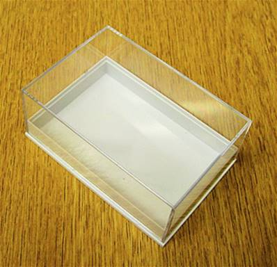 10 X PLASTIC DISPLAY BOX - WHITE BASE WITH CLEAR TOP (N2 SIZE). N2/80/55/32